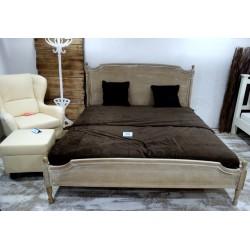 Stylowe piękne łóżko