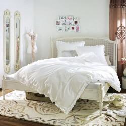 Stylowe łóżko z drewna mango