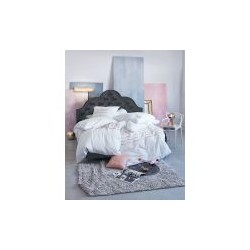 Klasyczne i eleganckie łóżko Chesterfield