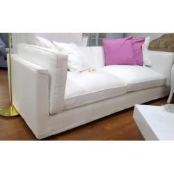Śliczna biała kanapa
